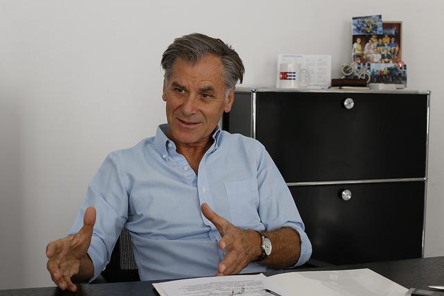 Peter Tschumi, director residente de cooperación internacional de la Agencia Suiza para el Desarrollo y la Cooperación, durante su entrevista con IPS en la embajada de su país ante La Habana. Crédito: Jorge Luis Baños/IPS
