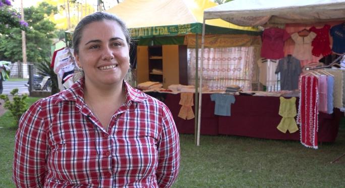 Liliana Escurra, presidenta de la Cooperativa Multiactiva de Producción Artesanal de Ao Po´i, en Paraguay. Crédito: Aurelie Duray/FAO