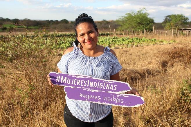 Eda Parada, técnica responsable de género en el municipio de Charagua, en Bolivia, sumándose a la campaña de Mujeres Indígenas, Mujeres visibles. Crédito: Aurelie Duray/FAO