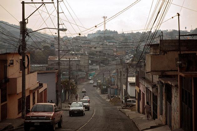 Una de las calles inseguras para las mujeres en Ciudad de Guatemala. Crédito: Ryan Brown/ONU Mujeres