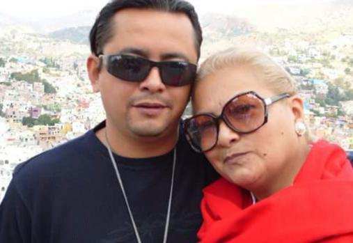 Yolanda Morán, con su hijo Dan Fernández, antes de que este desapareciera, secuestrado por un grupo de militares de inteligencia, en diciembre de 2008. Crédito: Cortesía de Yolanda Morán