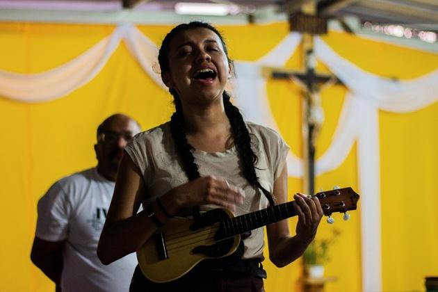 Marisol Arvizú, de 23 años, proveniente del estado de México, que apoya la búsqueda de desaparecidos. Crédito: Efraín Tzuc/Pie de Página