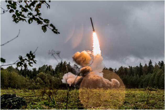 El misil ruso 9M729 fue probado mediante un sistema de lanzamiento móvil similar al utilizado para el 9K720 Iskander-M, que figura en esta fotografía, el 18 de septiembre de 2017. Crédito: Ministerio de Defensa de Rusia.