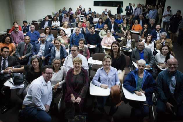 Durante sus 48 intensas horas en Venezuela, Michelle Bachelet se reunió con dirigentes y activistas de organizaciones de derechos humanos en un aula de la Universidad Metropolitana en Caracas. Crédito: Cortesía  Guillermo Suárez /Cofavic