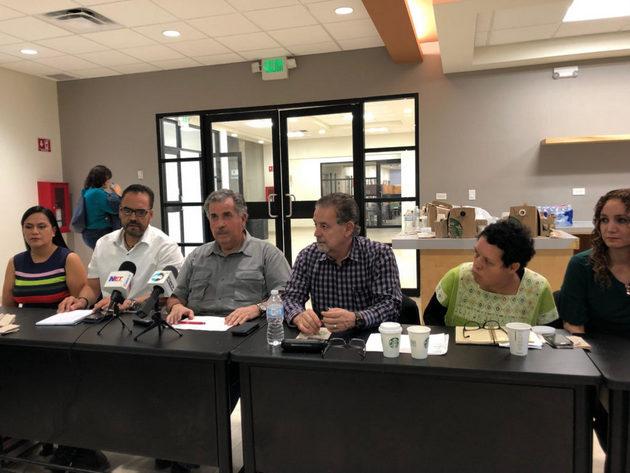 Conferencia de Iniciativa Juárez, tras reunión con representantes de tres niveles de gobierno, para atender los problemas de los migrantes mexicanos en Ciudad Juárez. Crédito: La Verdad/En el Camino