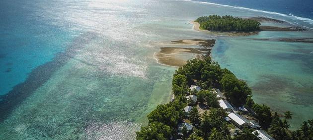 Las islas de Tuvalú, en el océano pacífico, están especialmente expuestas al aumento del nivel del mar causado por el cambio climático. Crédito: Aurélia Rusek /PNUD