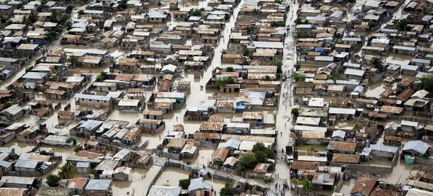 Inundaciones causadas por el huracán Tomas en Haití. Crédito: Marco Dormino/Unicef