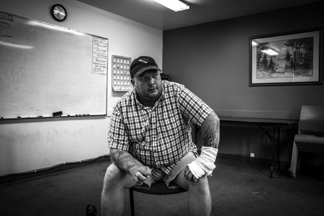 Dan Epting logró rehabilitarse y ahora trabaja en un centro de apoyo para la rehabilitación de personas de todas las edades. Crédito: Heriberto Paredes/Pie de Página