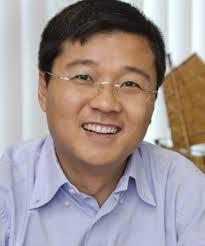 El autor, Junjie Zhang
