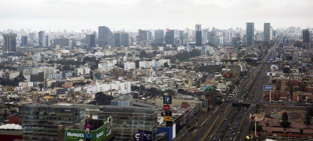 Vista de la ciudad de Lima, la capital de Perú. Crédito: Banco Mundial