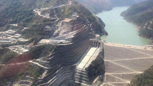 El BID investigará si BID Invest, su filial de financiamiento privado, incumplió sus salvagurdias en el crédito otorgado para el proyecto de la Central Hidroeléctrica Hidroituangó, que se construye sobre la cuenca del río Cauca, a 170 kilómetros de la ciudad de Medellín, después de un grave incidente con su represa en 2018. Crédito: Fiscalía General de Colombia Cortesía Fiscalía General de Colombia