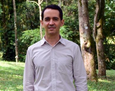 El autor, Pável Vidal