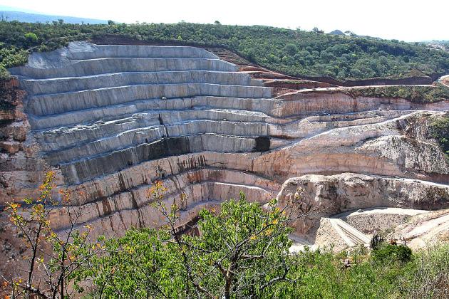 La estatal Comisión Federal de Electricidad (CFE) de México prosigue con la construcción de nuevas centrales hidroeléctricas, como la de Zapotillo, en el occidental estado de Jalisco. A la nueva generación se sumará el incremento de la capacidad de generación de 60 plantas antiguas, incluidas en un plan de modernización del gobierno. Foto: Cortesía de EJ Atlas