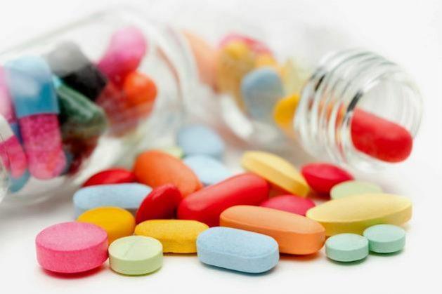 Los precios de los medicamentos para combatir la covid-19 deben ser controlados, particularmente en los países en desarrollo, pues la actual pandemia no debe beneficiar a las trasnacionales farmacéuticas, planteó este martes 31 la organización humanitaria Médicos Sin Fronteras (MSF).