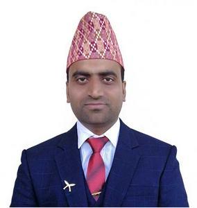 El autor, Hemraj Bhattarai