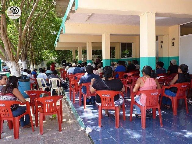 Una reunión de la Asamblea Maya, en la península de Yucatán, en México, que lucha por la defensa de su territorio. Ahora sus líderes buscan defender a sus miembros de la propagación del coronavirus. Foto: Cortesía de AM