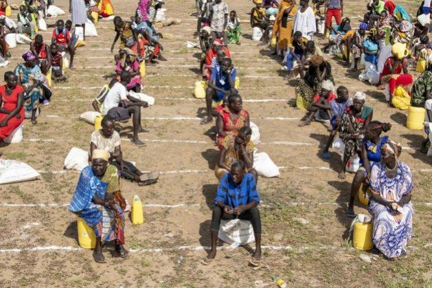 Millones de personas refugiadas o desplazadas por las crisis en África están entre los grupos más vulnerables ante el avance de la covid-19, y la agencia de la ONU para los refugiados, Acnur, comenzó un programa de prevención y ayuda en los campamentos y áreas urbanas donde se concentran.