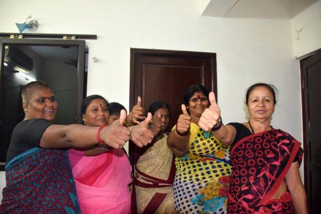Trabajadoras sexuales en la ciudad de Chennai, en el sur de India, consideran que la nueva reforma que amplia y mejora la ley del aborto no va a eliminar la discriminación y estigma que sufren al tratar de acceder a la interrupción segura del embarazo en los centros públicos de salud donde debe practicarse en forma gratuita. Foto: Stella Paul / IPS
