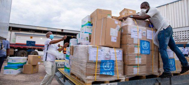 Insumos médicos despachados por la OMS llegan a la República Democrática del Congo. La pandemia covid-19 avanza por los países del Sur y los responsables de las Naciones Unidas sostienen que su derrota solo será posible con ayuda a las naciones en desarrollo. Foto: OMS