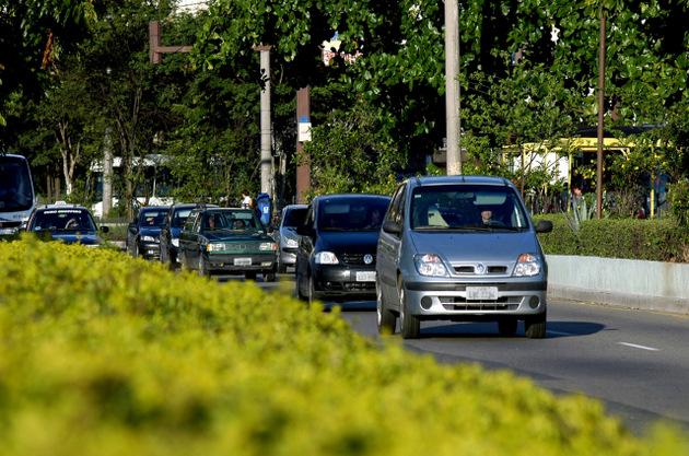 Cambiar el sistema de transporte en una ciudad no ayudará a detener las emisiones si las grandes ciudades no modifican los suyos también. Foto: Peter Illiciev/ Fiocruz