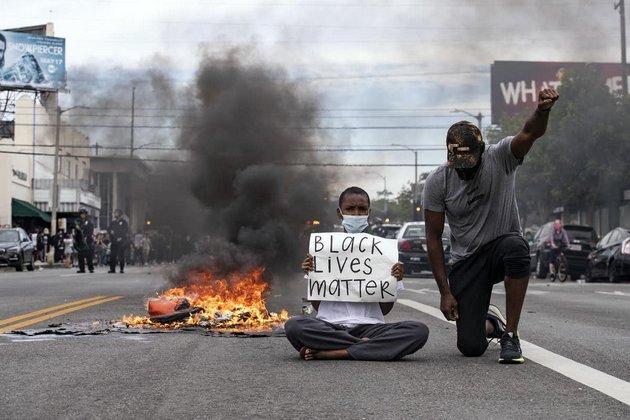 Las protestas por la muerte de George Floyd se extendieron rápidamente por todo el país. Foto: Ettienne Laurent/EPA
