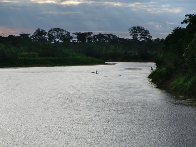 Ciclo de la Vida Tsimane Las comunidades tsimanes están asentadas a lo largo de ríos y bosques de la selva boliviana. Foto: Ben Trumble