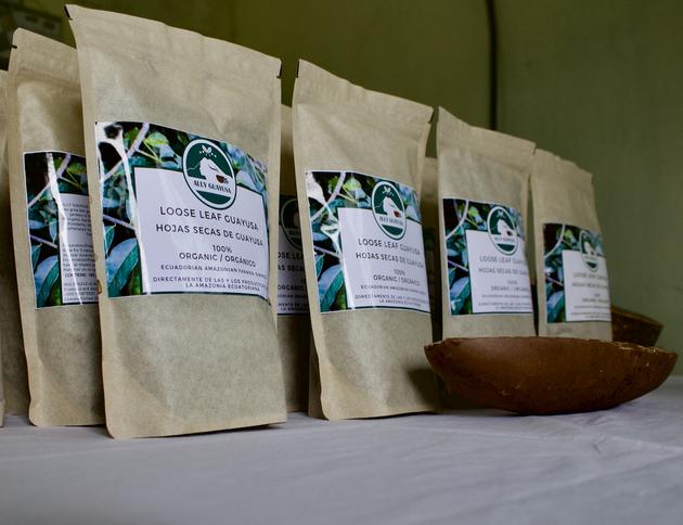 Té de guayusa envasado y listo para ser distribuido en mercados locales y globales. Foto: Matthew Wilburn King/Mongabay