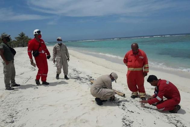 Personal de PDVSA solo estuvo presente en los primeros días de limpieza y sin maquinarias. Foto: Ministerio de Ecosocialismo de Venezuela