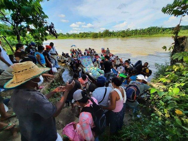 Desplazamiento en Cáceres, en Colombia, el 3 de septiembre de 2020. Foto: Especial para democraciaAbierta