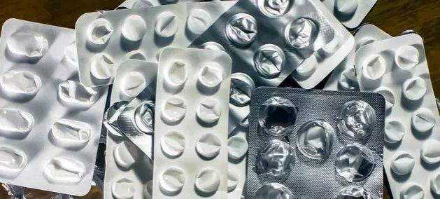 Los blísteres de plástico contaminante pueden quedar en el pasado con innovaciones como las de jóvenes universitarios de América Latina convocados por el Pnuma a desarrollar proyectos de consumo sustentable. Foto: Hennikas Mackevicius/Pexels/Pnuma