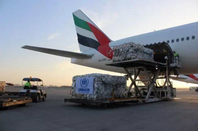 La agencia de la ONU para los refugiados inició desde los Emiratos Árabes Unidos un puente aéreo para llevar auxilios a decenas de miles de personas que huyen a Sudán para escapar a la guerra en el norte etíope. Foto: Acnur