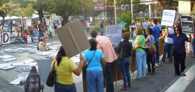 Organizaciones de la sociedad civil en Venezuela, que apoyan frecuentes reclamos por derechos básicos como alimentación y salud, se encuentran en la mira del gobierno, según expertos en derecho humanitario de la ONU. Foto: Web Convite