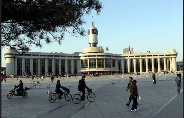 Vista del centro de la ciudad de Tianjin, China, única gran economía que crecerá en 2020 entre las que están en desarrollo en Asia. La recuperación de la región en 2021 se da como un hecho, aunque con riesgos si se prolonga la pandemia covid-19. Foto: BM