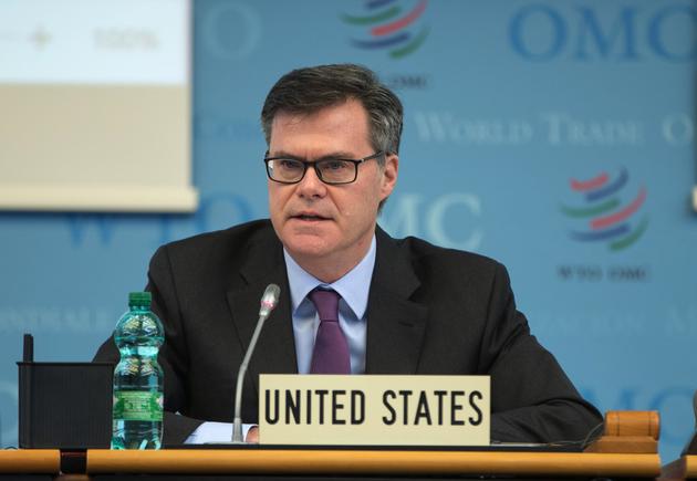 Dennis Shea, embajador de Estados Unidos ante la OMC, que desde 2018 ha sido el ariete de Donald Trump en su política de acoso contra el organismo, y que se despidió rechazando que haya una suspensión temporal de las vacunas contra la covid. Foto: Misión de Estados Unidos en Ginebra