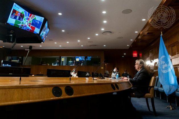 """El secretario general de la ONU, António Guterres, expuso que, tras el """"horrible 2020"""", este año puede ser de posibilidades para colocar la agenda internacional """"en el camino correcto"""", pero es imprescindible trabajar con unidad y solidaridad. Foto: Mark Garten/ONU"""