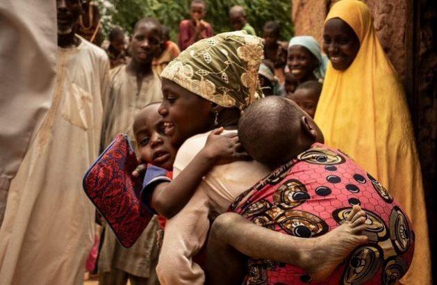La hambruna amenaza a millones de niños africanos y yemeníes en 2021, al sumarse la pandemia covid-19 a las crónicas crisis alimentarias que se padecen en el continente y al clima de inseguridad creado por los conflictos civiles. Foto: Gilbertson/Unicef