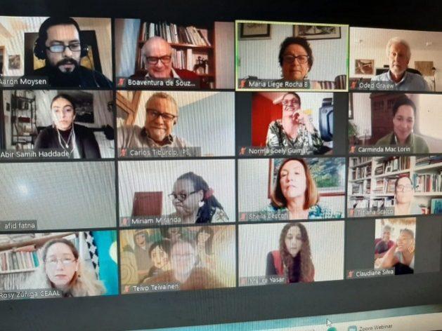 """Captura del panel inaugural del Foro Social Mundial, el sábado 23, bajo el título de """"¿Cuál es el mundo que queremos hoy y mañana?"""", la gran interrogante de los debates de esta edición virtual del FSM, que este año cumple 20 años. El Foro se desarrolla en forma telemática y concluirá el día 31 Foto: Mario Osava/IPS"""