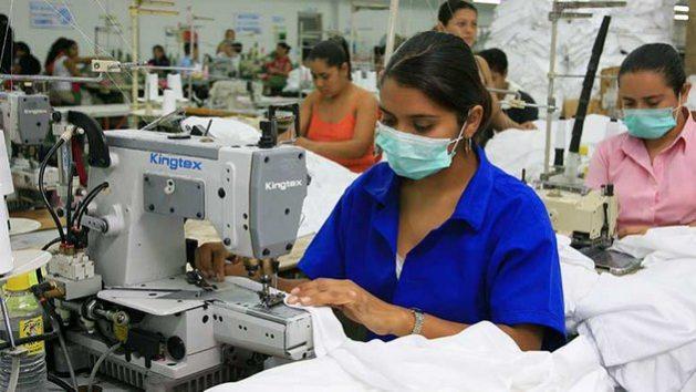 La tasa de desempleo de la mujer en América Latina y el Caribe alcanzó a 12 por ciento en 2020, pero sería casi el doble si se consideran las cifras de mujeres que trabajaban antes de la pandemia, en 2019. Foto: BID