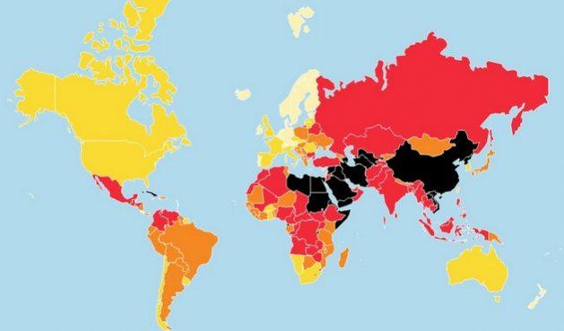 El mapa de Reporteros Sin Fronteras, coloreados de negro y rojo intenso los países donde considera que la libertad de prensa estuvo más comprometida en 2020, incluidas las limitaciones a los periodistas para informar bajo la pandemia covid-19. Imagen: RSF
